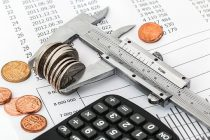 アパレルの価格変動の要因